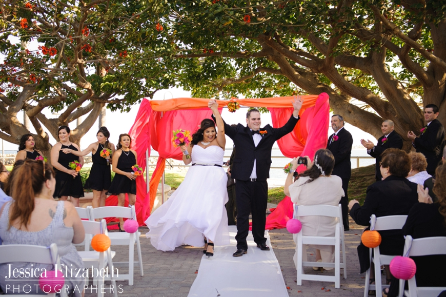 16-Plaza at Cabrillo Marina Wedding Photographer Jessica Elizabeth-700_4995_-w